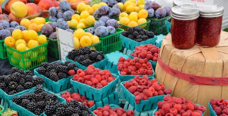 farmers-market-buylocal-984x500.jpg